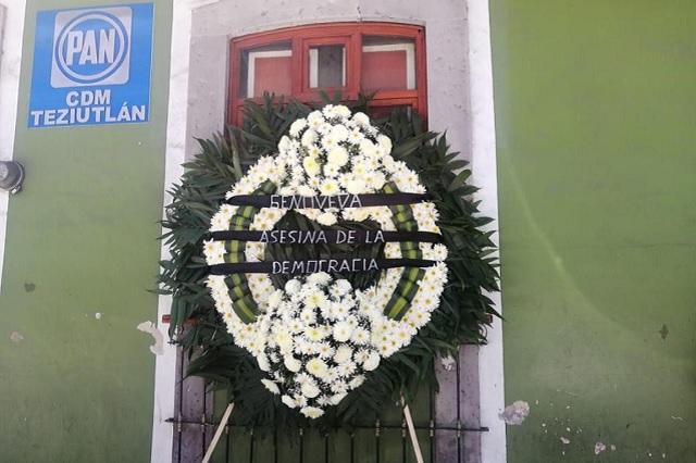 Llaman asesina de la democracia a Genoveva Huerta en Teziutlán