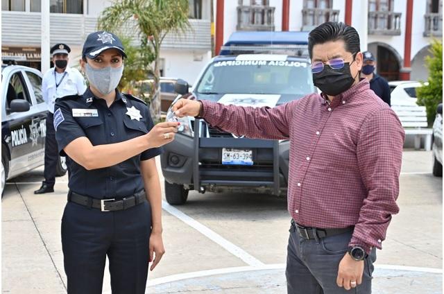 Entrega edil de Coronango 5 patrullas nuevas a Seguridad Pública