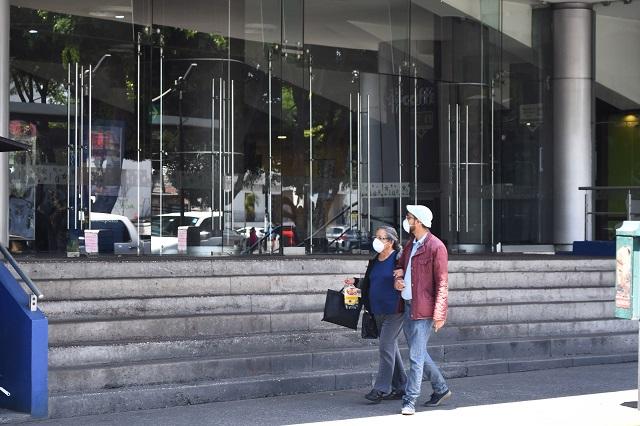 Por Covid-19, cierran  Cinépolis y locales en plazas comerciales