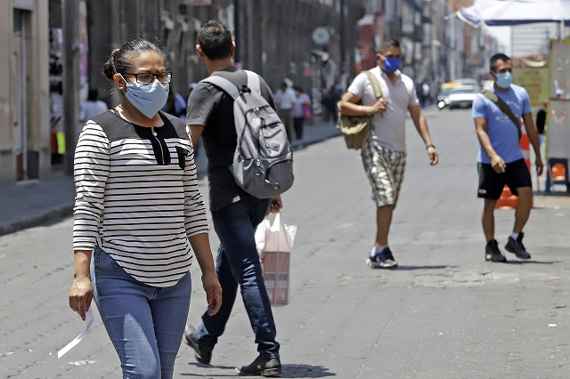 Es obligatorio usar cubrebocas en Puebla, decreta el gobierno