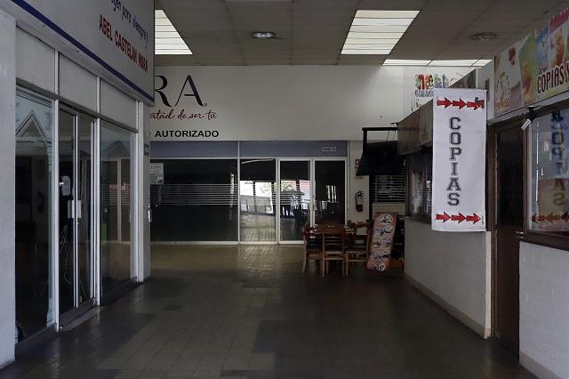 Plazas comerciales en Puebla esperan luz verde para reabrir