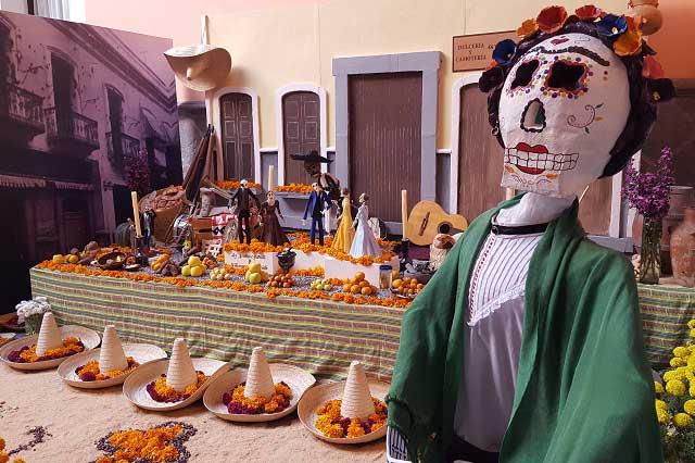 Episodios de la historia de Puebla en el Corredor de Ofrendas 2016