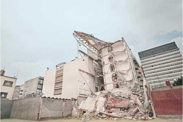 Vinculan a proceso a corresponsable de obra del edificio de Zapata 56