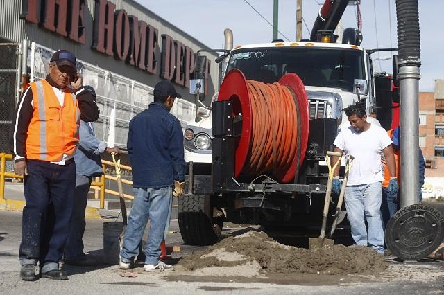 Por adeudo de 1.7 mdp cortan agua a Peri Plaza y 53 comercios