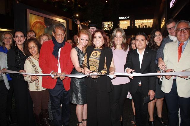 Inauguran exposición de arte a beneficio del DIF estatal