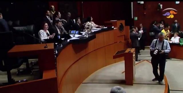 Tras ataque a senadora con libro-bomba, Senado refuerza seguridad