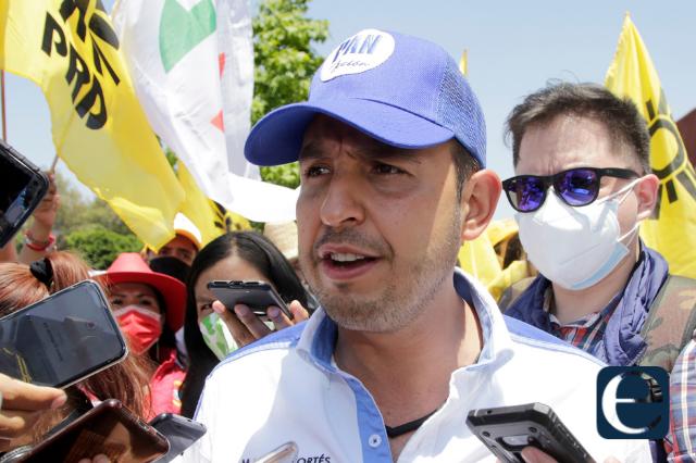 Marko Cortés viene a Puebla y pide que renuncie Marcelo Ebrard