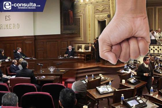Gana Congreso coscorrones de la Corte por desacato y omisión