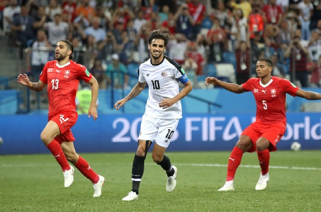Costa Rica se despide del mundial empatando 2-2 contra Suiza