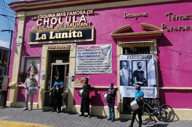 Cuarto cacerolazo de los restauranteros en Puebla