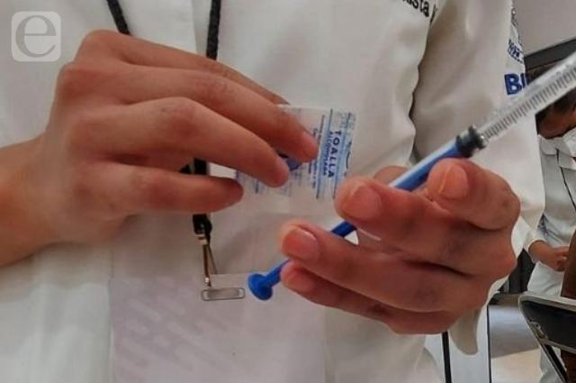Aplicarán en la SEP vacuna covid a docentes de nuevo ingreso