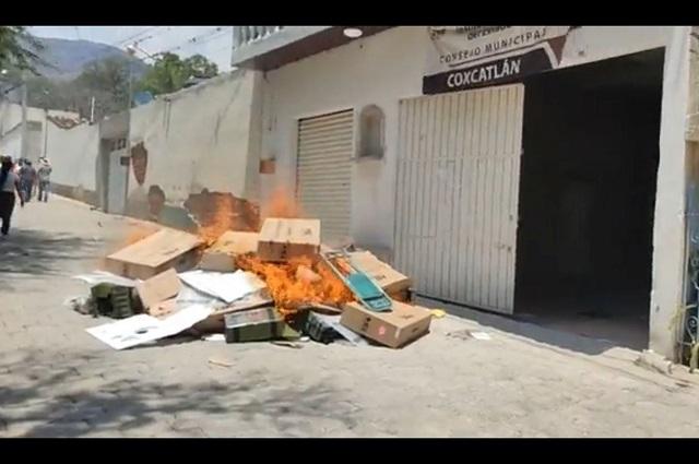 Violencia y destrozos ponen en vilo elección en 25 municipios y 2 distritos