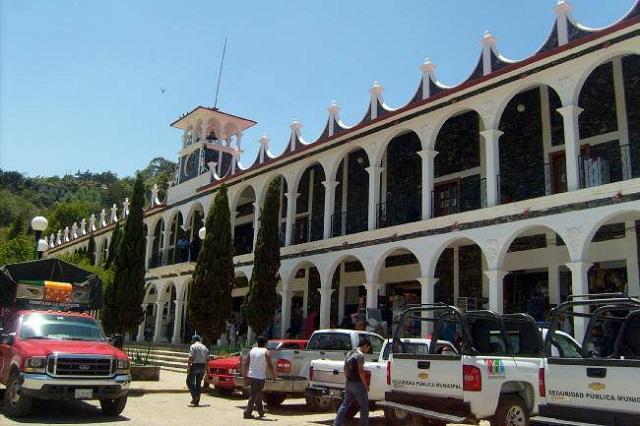 Ayuntamientos evitan aclarar salarios de presidentas del DIF