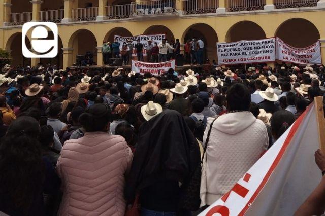 Rechazan a edil electo en Santa María Coyomeapan