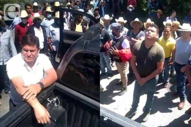 Pueblo de Coyomeapan frena entrada de hombres armados