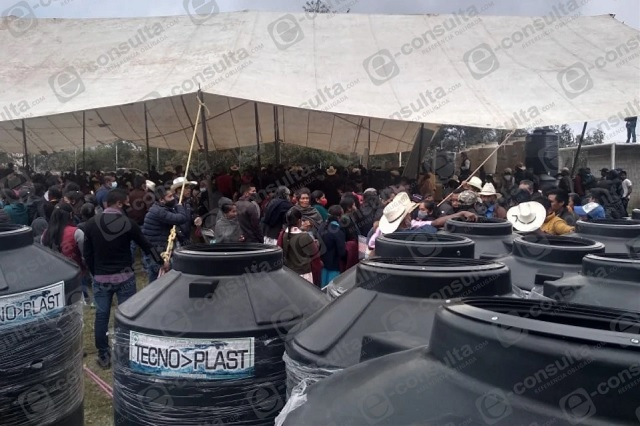 Reúne a más de 1000 personas edil de Coyomeapan pese a Covid