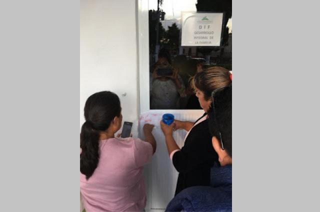 Por destituir a esposa del edil de Coyotepec, despiden a Secretaria General