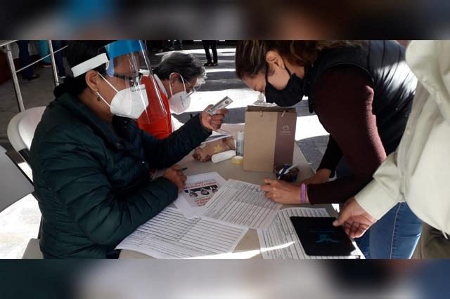 En Atlixco recaudan firmas para juicio a expresidentes de México