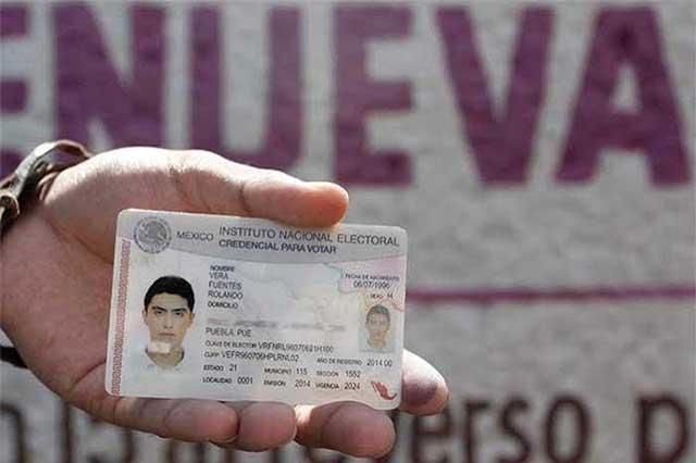 Acarrean a grupo de Edomex para tramitar su INE en Puebla