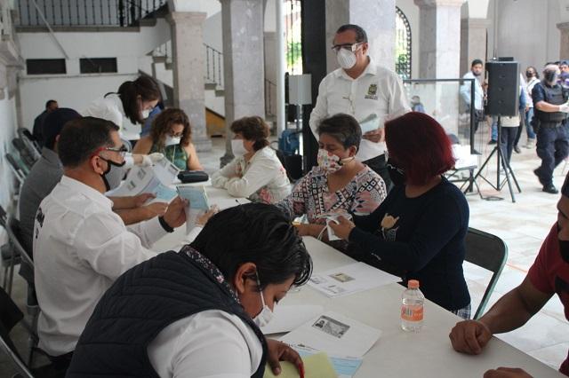 Entregan créditos a microempresarios por tercera vez en Teziutlán