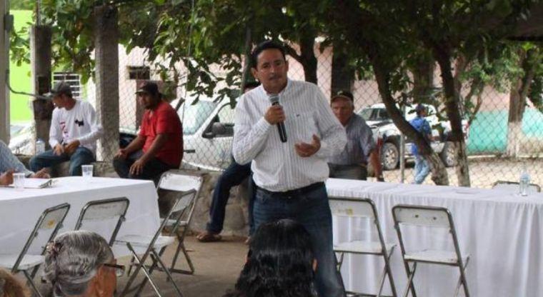 Sicarios ejecutan a tiros al presidente municipal de Ixtlahuacán, Colima