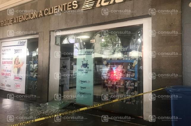 Ahora roban tienda de celulares en pleno Zócalo de Puebla