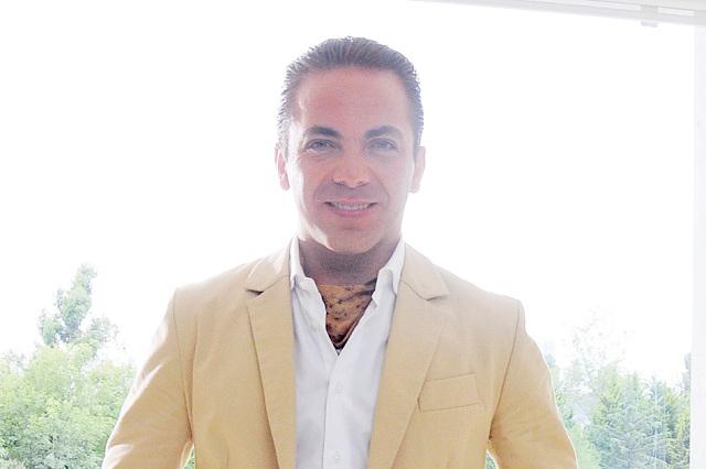Cristian Castro podría hacer película sobre su divorcio y la llamaría 28 días