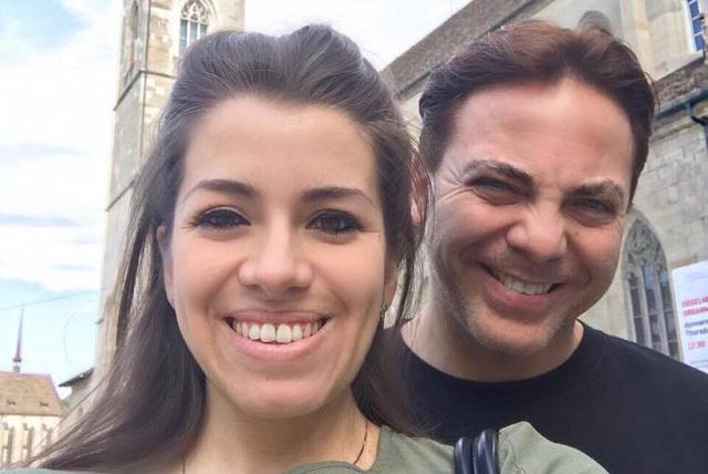 Cristian Castro ya tiene otra novia y su esposa aún no lo podía creer