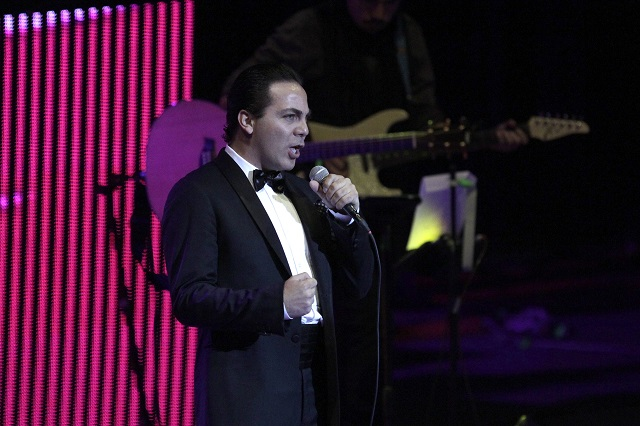 TVyNovelas publica que Cristian Castro se volvió a casar y bloqueó a su mamá