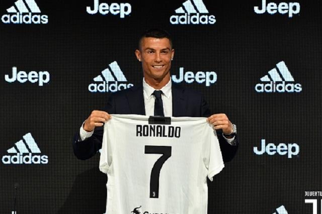 Un solo día en el Juventus y CR7 ya vendió 62 mdd en playeras