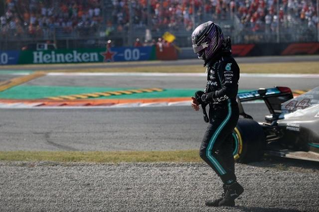 Red Bull tacha a Hamilton de 'teatrero' tras choque con Verstappen