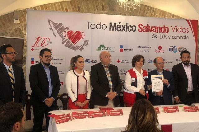 Promueve Cruz Roja Puebla carrera en el Jardín del Arte