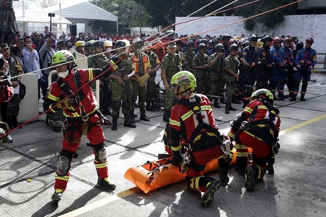 Rescatan a 100 personas en San Alejandro en simulacro