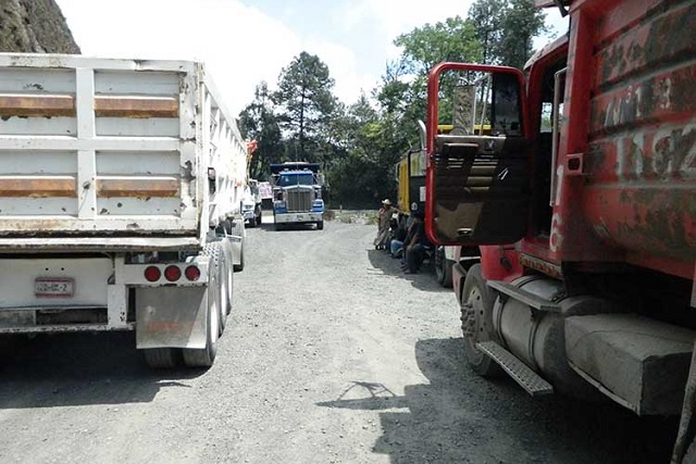 Bloquea la CTM reparación en la autopista Amozoc-Perote, acusan