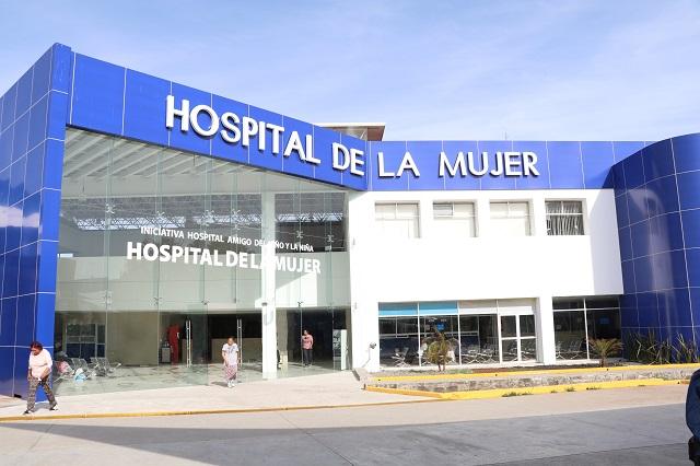 Recuperadas, cuatrillizas abandonan el Hospital de la Mujer de Puebla