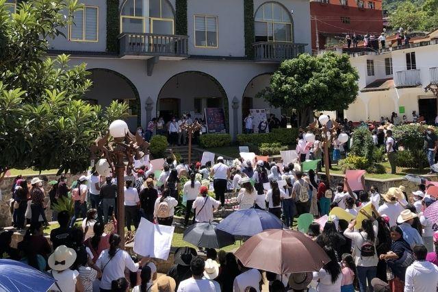 En Cuautempan exigen justicia para Hermelinda y Josefina