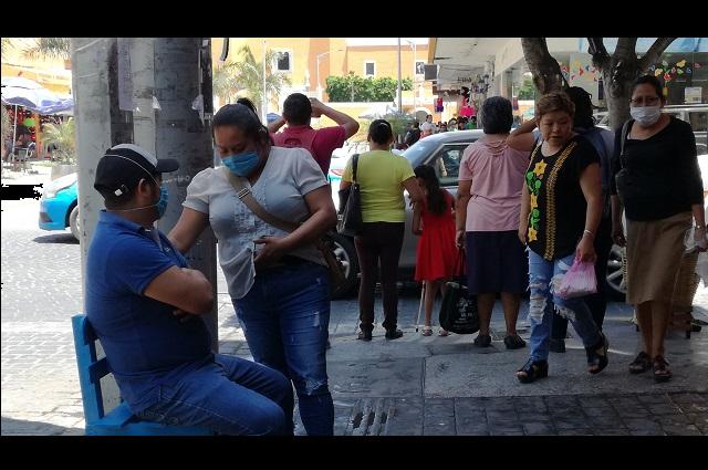 A la semana confeccionan un millón de cubrebocas en Tehuacán