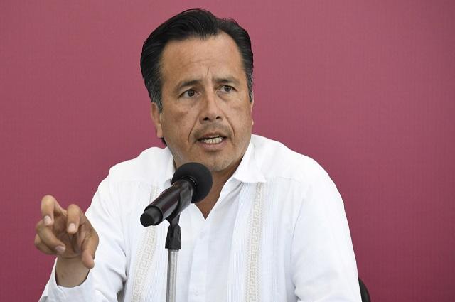 Comparan a gobernador de Veracruz con Andrea Legarreta