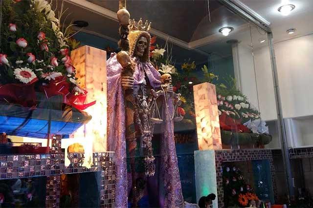 Altar a la Santa Muerte en Puebla, parte del rinconcito esotérico de Puebla