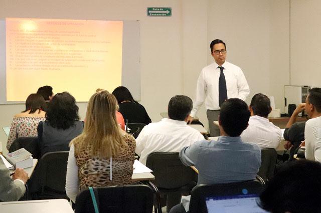 Actualiza abogados el Poder Judicial a través de cursos