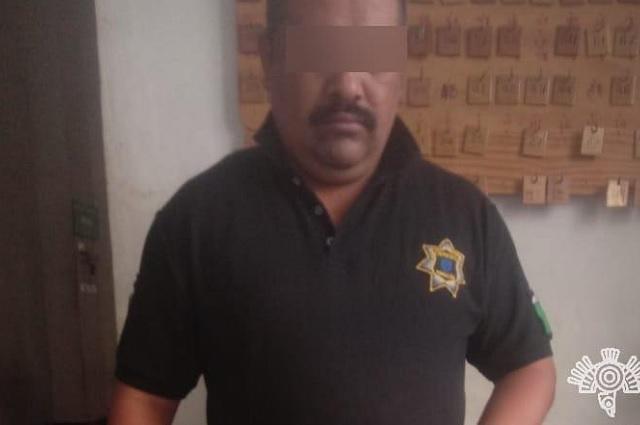 Detienen a custodio con droga en CERESO de Tehuacán