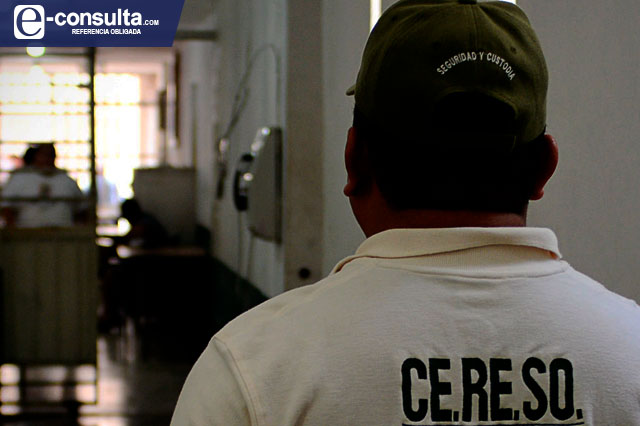 Adeuda SSP salarios de 7 meses a custodios de Puebla