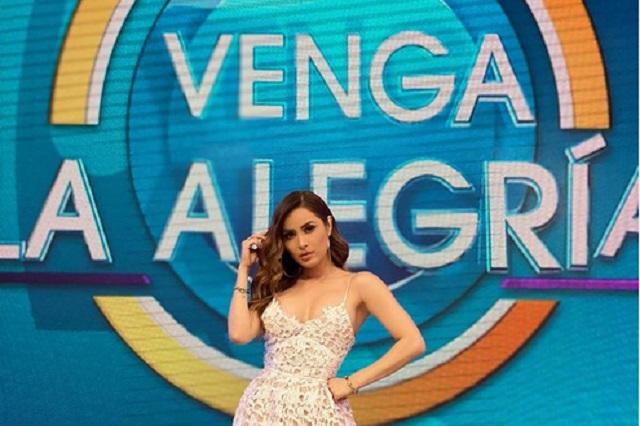 Hipnotizan a Cynthia Rodríguez y le coquetea a Sergio Sepúlveda en vivo