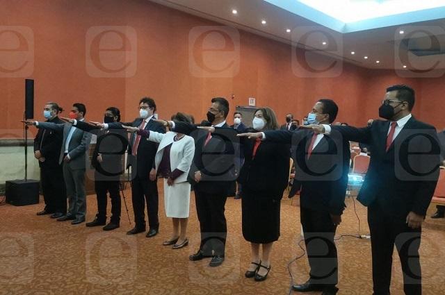 Con Lalo Rivera de invitado, rinde protesta nueva dirigencia del Colegio de Arquitectos