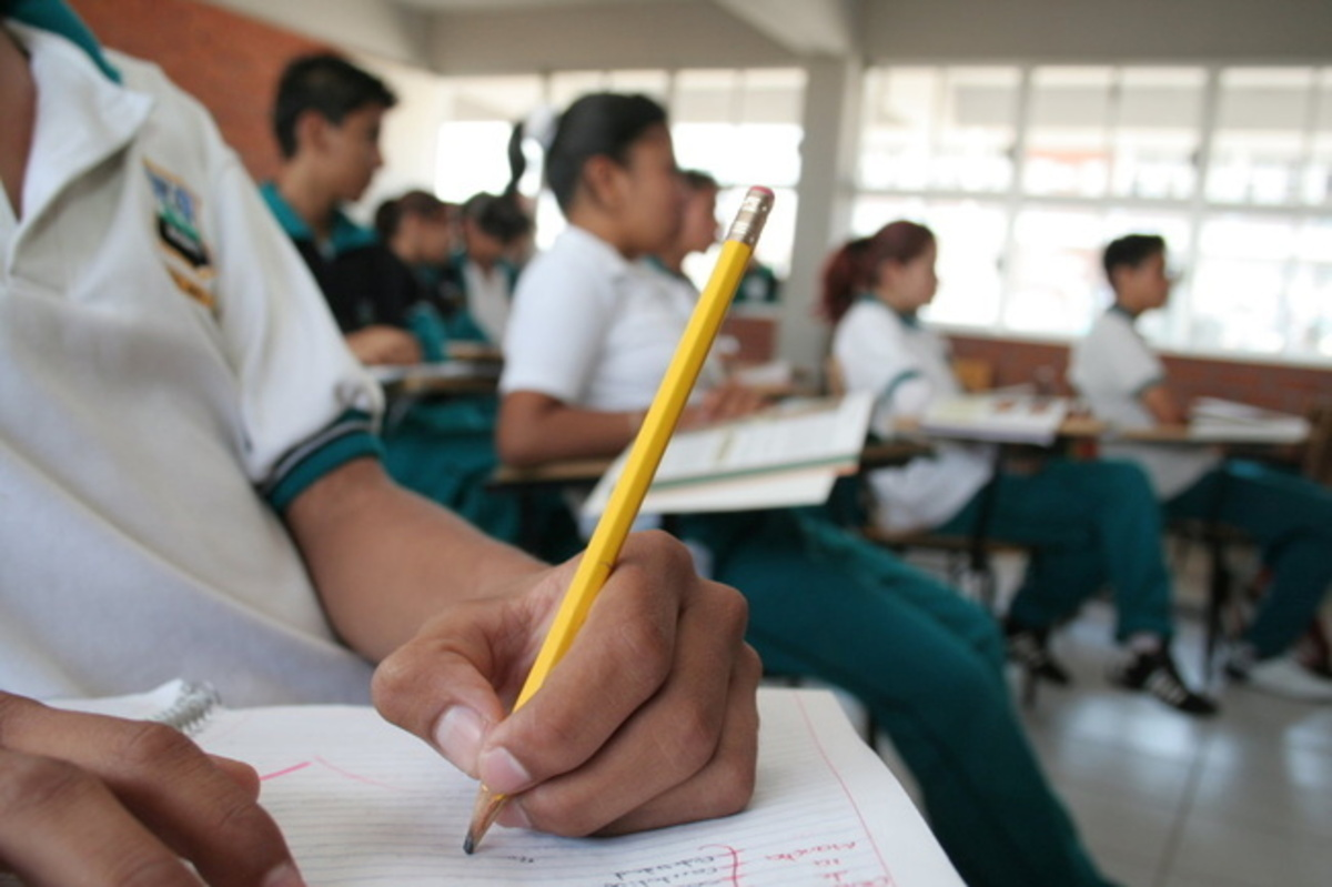 Prospera da becas de manutención a 13 mil 500 estudiantes poblanos