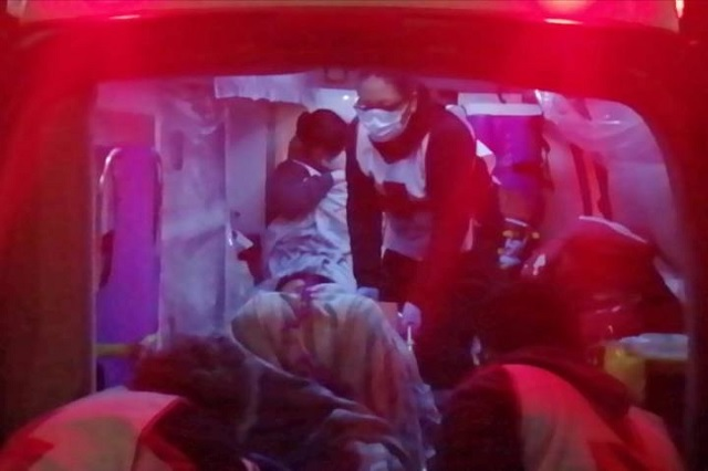 No pudo llegar al hospital y da a luz en la vía pública en Tehuacán