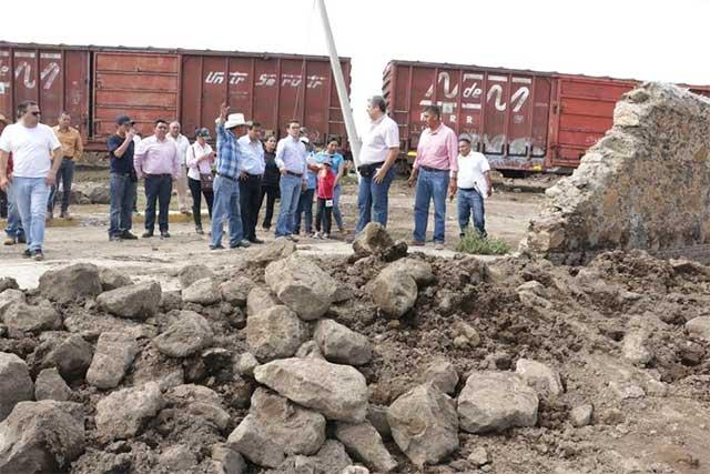 Entregan apoyos a afectados por lluvias en Santa Catarina Los Reyes