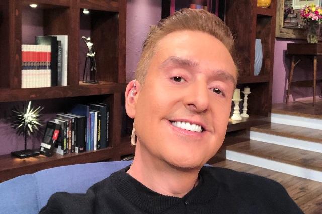 Captan a Daniel Bisogno en antro gay y él aclara: yo soy el dueño