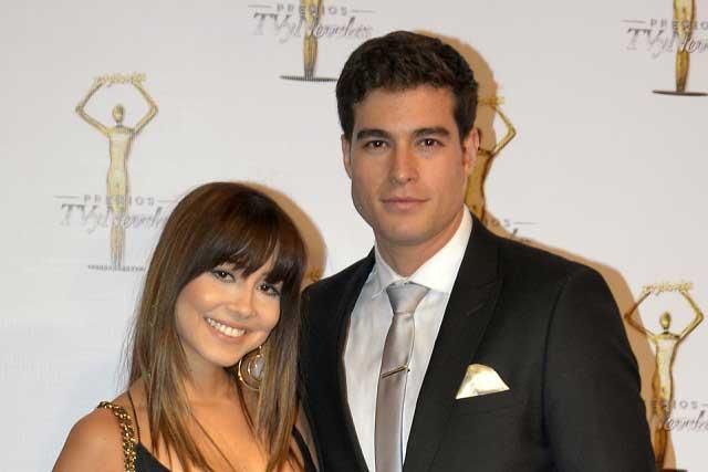 Danilo Carrera se rehúsa a confirmar si está casado