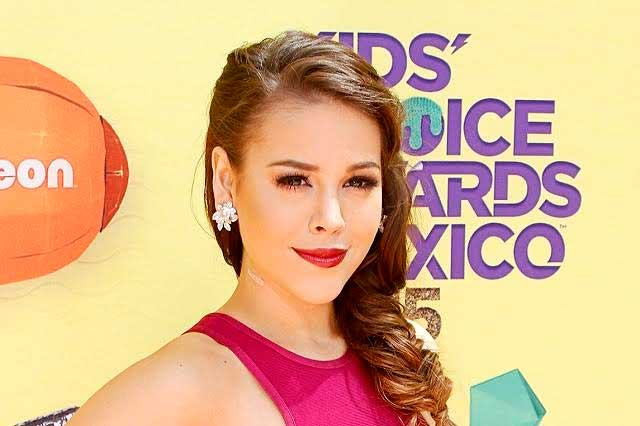 Danna Paola busca interpretar tema principal en la serie sobre Silvia Pinal